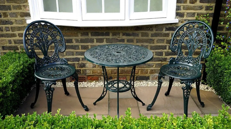 Wrought Iron Patio Furniture Craigslist as Suitable Elements to Complement Your Terrace